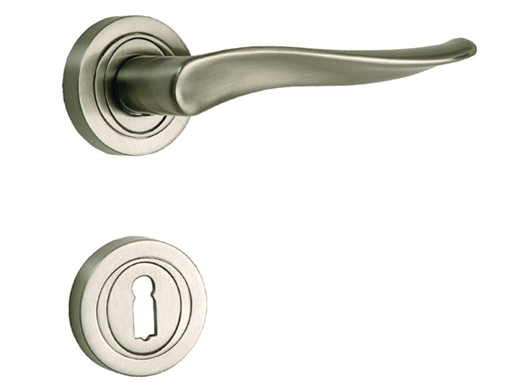 Modern Gold Plated Zinc Alloy Handles for Interior Doors .
