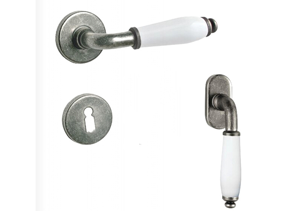 High Quality Zinc Alloy Door Handle on Rose/Plate Ceramic Handle